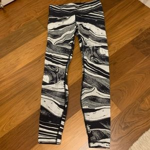 Lululemon leggings size 6 patterned